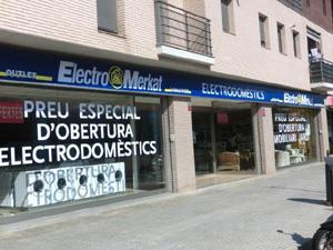 22801-20028-distribucion-electro-merkat-abre-otro-establecimiento-girona